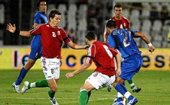 Zambrotta tries to escape his markers
