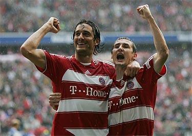 Toni & Klose celebrate the victory of Bayern against Rostock. Luca scored 1 goal in the game.