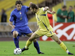 Andriy vs. Andrea: Shevchenko tries to beat his marker Barzagli