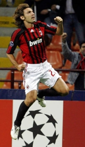 Pirlo's magical accuracy on dead balls puts the Rossoneri ahead