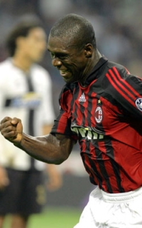 Clarence Seedorf celebrates after the goal