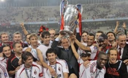 Silvio Berlusconi and the AC Milan team hoisting the Champions League in May 2007