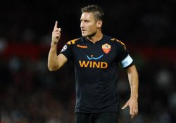 Captain Francesco Totti couldn't prevent another Roma defeat at the ends of United
