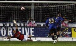 Riccardo Zampagna's penalty shot… hitting the bar