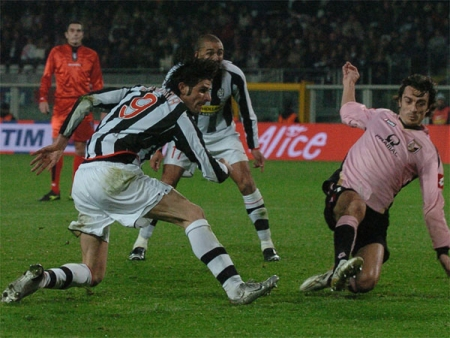 Juve 2-0 Palermo: Pure goal-poaching by Vincenzo Iaquinta