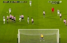 Del Piero's inswinging 25m shot over the wall inside the right post