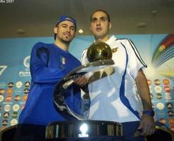 Italy captain Nando Grana (left) and Spain's Javi Rodríguez