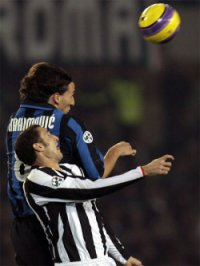 An aerial battle between Ibrahimovic and Chiellini: the Juve defender kept the Inter striker under close guard today
