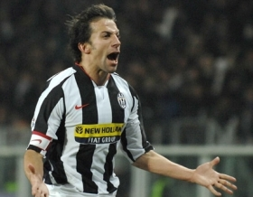 Alessandro Del Piero celebrates after the tying 1-1 goal for Juve