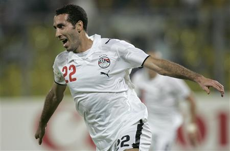 Egypt's Mohamed Aboutrika celebrates his goal against Ivory Coast during their African Nations Cup semi-final soccer match in Kumasi February 7, 2008.