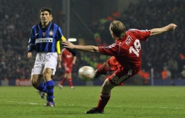Dirk Kuyt opens the score for Liverpool... finally