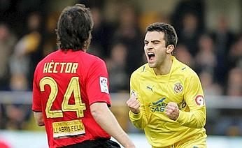 Giuseppe Rossi celebrates after his goal against Mallorca