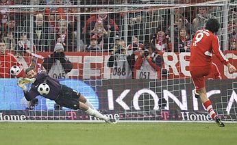 Luca Toni's penalty shot saved by Werder Bremen goalkeeper, Tim Wiese