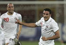 Amr Zaki (R) of Egypt celebrates his goal against Ivory Coast during their African Nations Cup semi-final soccer match in Kumasi February 7, 2008.