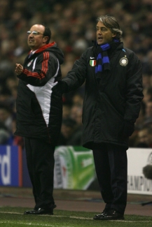 Liverpool manager Rafael Benitez (left) and Inter manager Roberto Mancini
