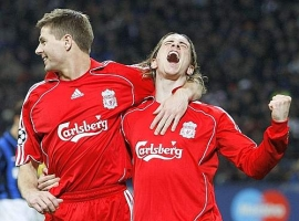 Steven Gerrard (left) and Fernando Torres celebrate the 1-0 Liverpool lead