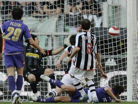 Osvaldo goal, Buffon beaten, 3-2 Fiorentina