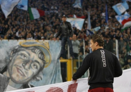 Francesco Totti during the pre-match homage to Gabriele Sandri