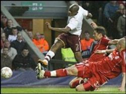 Abou Diaby puts Arsenal in the lead with his 13th minute strike (Liverpool vs. Arsenal, UEFA Champions League, 2007-08)