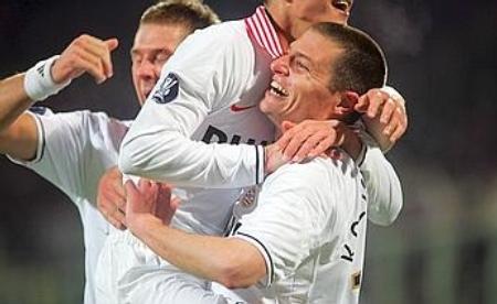 Danny Koevermans celebrates PSV's equalizer (Fiorentina 1-1 PSV Eindhoven, UEFA Cup 2007-08)