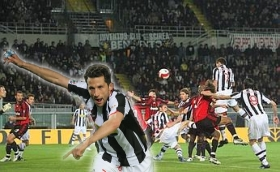 Hasan Salihamdzic jumps up for the header and gives Juve the win. 3-2! (Juventus vs. AC Milan, Serie A Matchday 33, April 12, 2008)