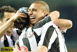 David Trezeguet celebrates after scoring the match opener (Juventus 3-0 Parma, Serie A Matchday 31 catch-up, April 17, 2008)