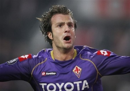 Fiorentina player Alberto Gilardino reacts after scoring the first goal during their UEFA Cup round of 32 second leg soccer match at ArenA stadium in Amsterdam, Netherlands, Thursday Feb. 26, 2009. (AP Photo)