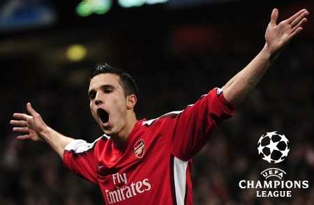 Arsenal's Robin van Persie celebrates after scoring with a penalty shot against AS Roma during their Champions League soccer match at the Emirates stadium in London February 24, 2009. (REUTERS)