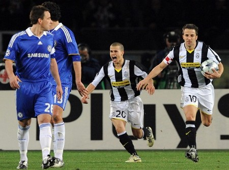 Juventus' Alessandro Del Piero (R) celebrates after scoring with teammate Sebastian Giovinco (C) as Chelsea's John Terry watches during their Champions League soccer match at the Olympic stadium in Turin March 10, 2009. (Reuters)