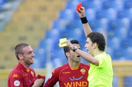 Daniele De Rossi sees red against Udinese