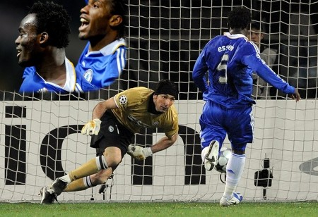 Chelsea's Michael Essien (R) shoots and scores as Juventus' goalkeeper Gianluigi Buffon tries to stop the ball during their Champions League soccer match at the Olympic stadium in Turin March 10, 2009. (Reuters)