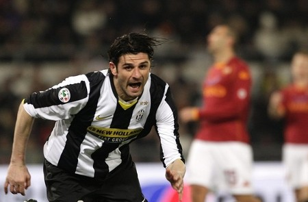 Juventus' Vincenzo Iaquinta celebrates after scoring against AS Roma during their Italian Serie A soccer match at the Olympic stadium in Rome March 21, 2009. (REUTERS)
