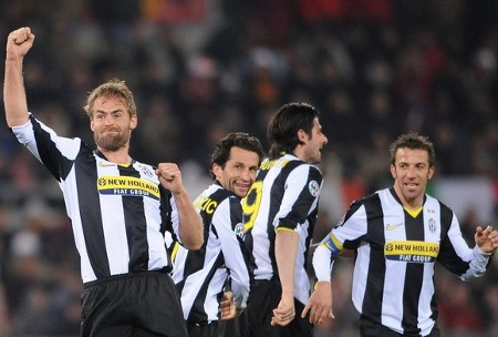Juventus Swedish defender Olof Mellberg (L) celebrates with team mates scoring against AS Roma during their Italian Serie A football match on March 21, 2009 at Olympic stadium in Rome. (Getty Images)
