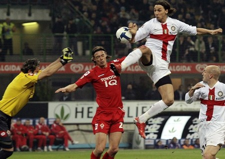 The hand of Inter Milan's Zlatan Ibrahimovic (2nd R) touches the ball as he jumps before scoring past Fiorentina during their Italian Serie A soccer match at the San Siro stadium in Milan March 15, 2009. (REUTERS)