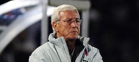 Italy's coach Marcello Lippi watches his team take on Brazil during their Confederations Cup soccer match at the Loftus Versfeld stadium in Pretoria June 21, 2009. (REUTERS)